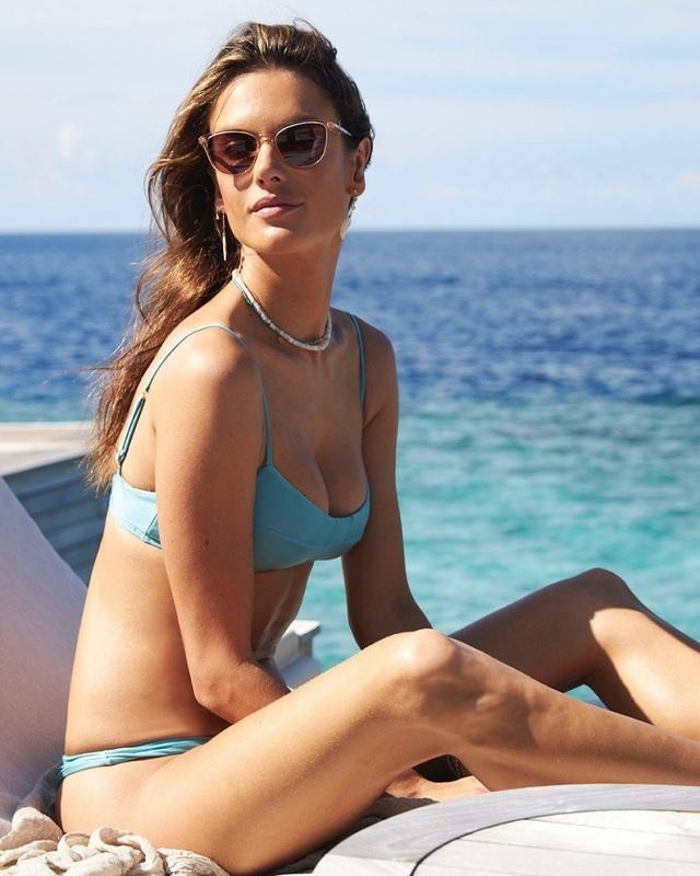Alessandra Ambrosio vẫn đẹp nuột nà ở tuổi 38 - 4