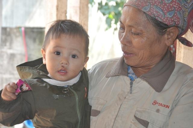 Thêm những tấm lòng sưởi ấm cho 2 bé mồ côi ở Bắc Giang - 3