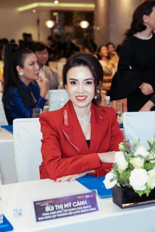Vương miện Brave Heart Hoa hậu Hoàn vũ Việt Nam 2019 được thực hiện trong 6 tháng - 5