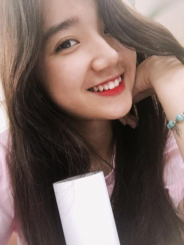 do-sac-dan-hot-girl-thang-11-gay-thuong-nho-cong-dong-mangdocx-1575301337644.jpeg