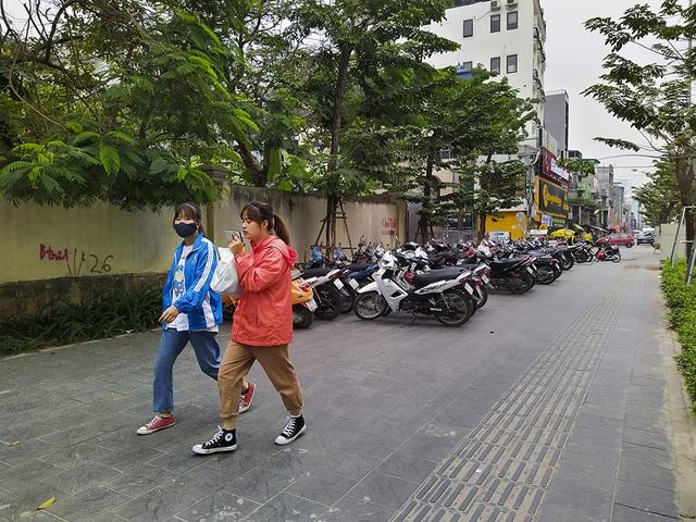 Hà Nội: Diện mạo nhếch nhác tại tuyến đường 3.100 tỷ vừa thông xe - 7