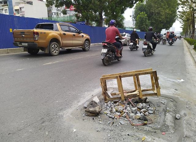 Hà Nội: Diện mạo nhếch nhác tại tuyến đường 3.100 tỷ vừa thông xe - 5
