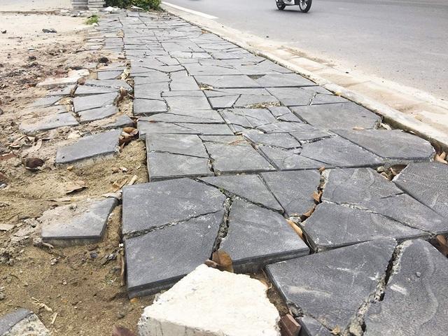 Hà Nội: Diện mạo nhếch nhác tại tuyến đường 3.100 tỷ vừa thông xe - 3