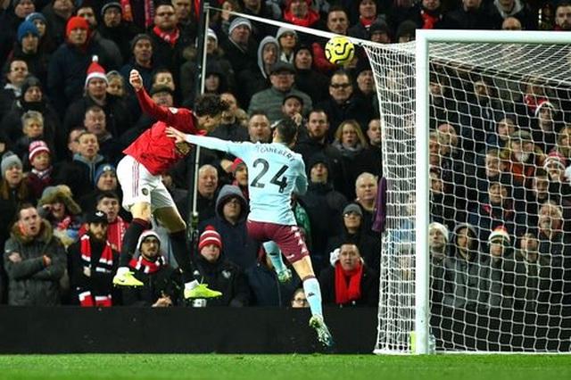 Nhìn lại trận hòa đáng buồn của Man Utd trên sân nhà trước Aston Villa - 12