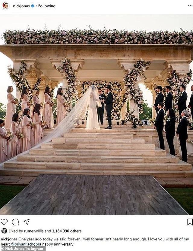 Nick Jonas say đắm nói yêu vợ trong kỷ niệm 1 năm ngày cưới - 1