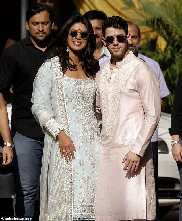 Nick Jonas say đắm nói yêu vợ trong kỷ niệm 1 năm ngày cưới - 8
