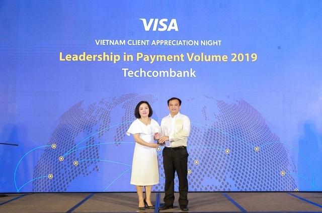 Techcombank đứng đầu toàn thị trường về doanh số thanh toán qua thẻ Visa - 1