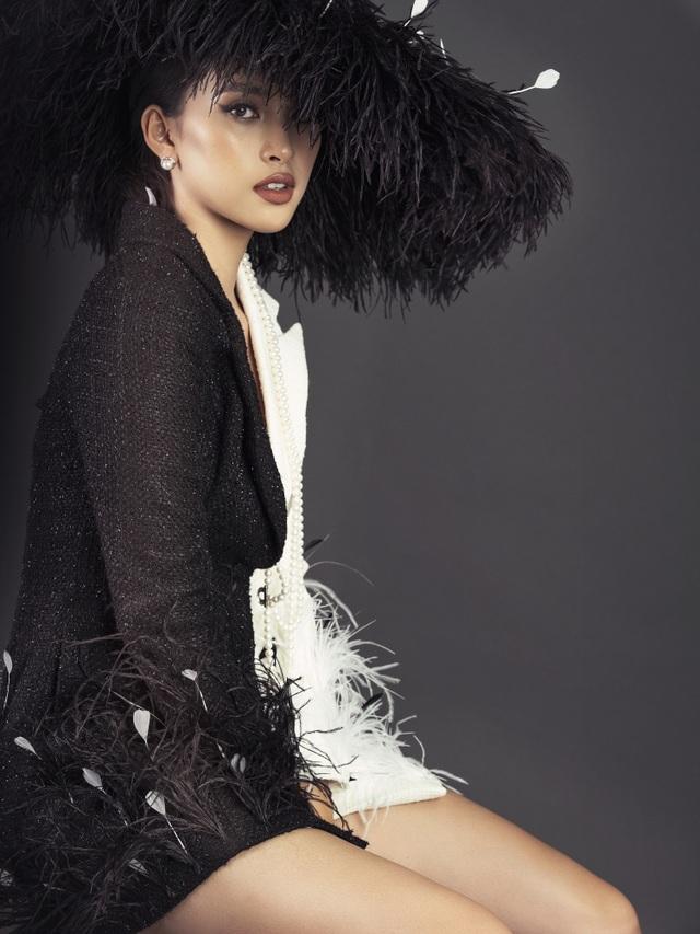 Hoa hậu Tiểu Vy ngày càng thăng hạng nhan sắc - 13