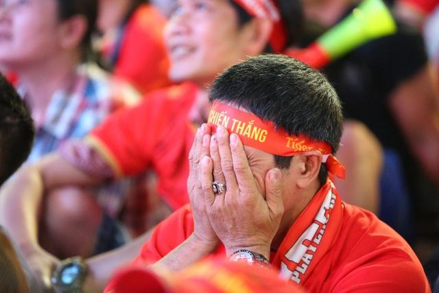 U22 Việt Nam - U22 Indonesia: Những cung bậc cảm xúc trái ngược trong trận cầu nghẹt thở - 4