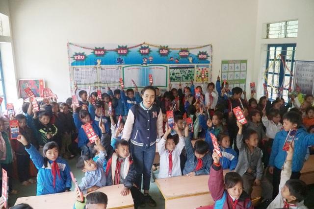 Thêm một điểm trường vùng biên giới Nghệ An được khánh thành - 1
