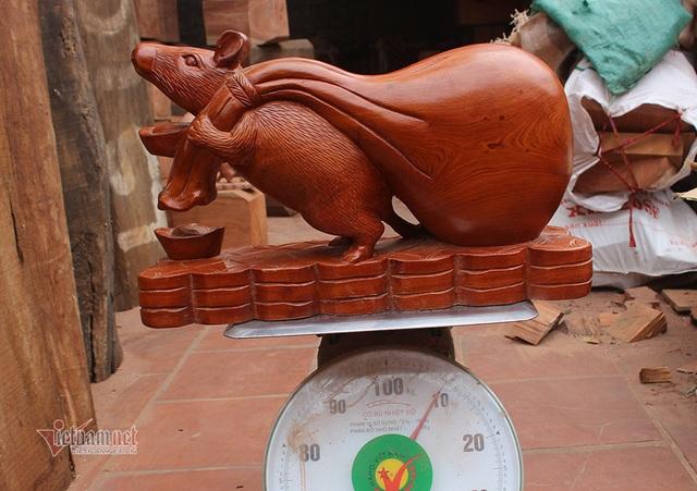 Tròn mắt thấy con chuột khổng lồ bóng loáng, nặng 10 kg - 1