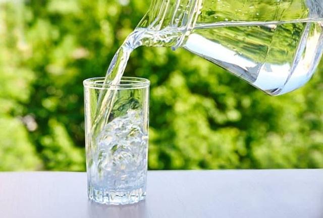 8 bước để làn da không khô sần, mất nước trong mùa đông - 1