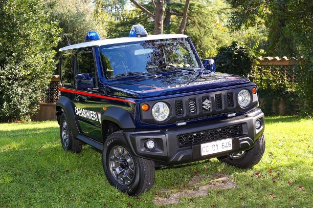 Đến lượt cảnh sát Italy chọn Suzuki Jimny làm xe tuần tra - 2