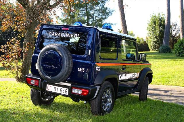 Đến lượt cảnh sát Italy chọn Suzuki Jimny làm xe tuần tra - 3