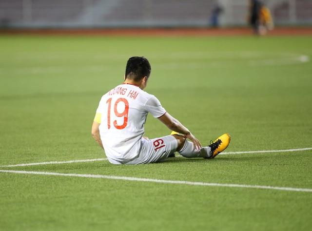 HLV Park Hang Seo lo lắng khi phải thay Quang Hải do chấn thương - 3