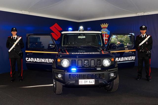 Đến lượt cảnh sát Italy chọn Suzuki Jimny làm xe tuần tra - 1