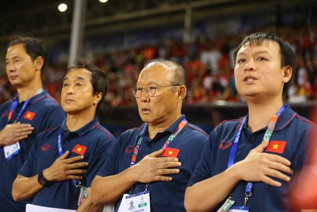 U22 Việt Nam 1-0 U22 Singapore: Đức Chinh ghi bàn quý giá - 22