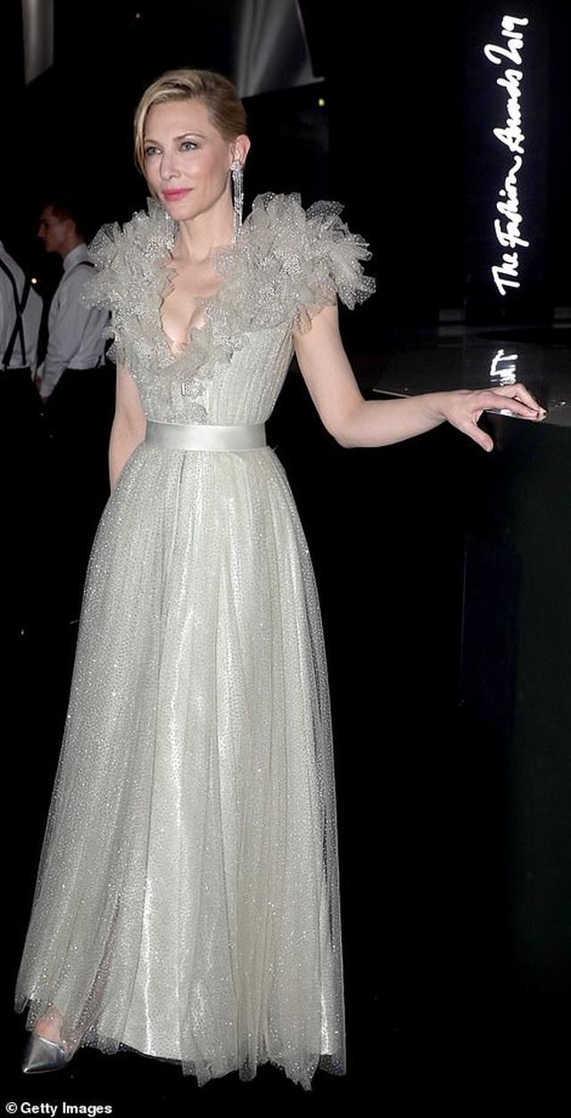 Cate Blanchett đọ sắc với Julia Roberts - 2