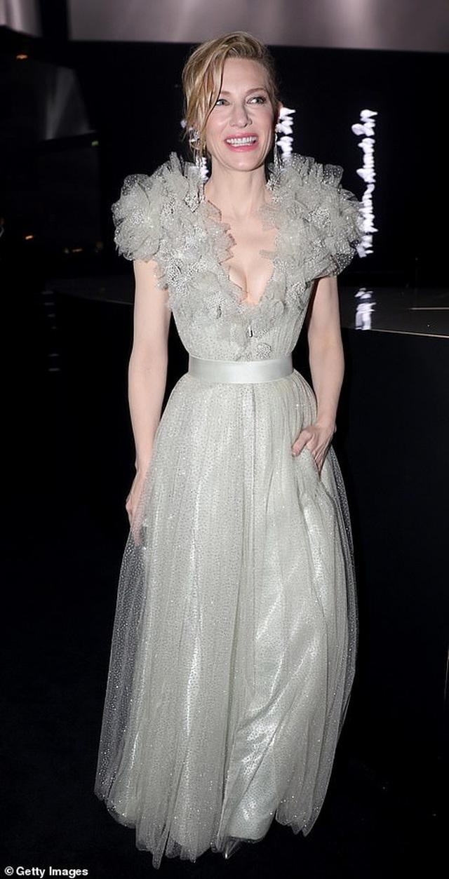 Cate Blanchett đọ sắc với Julia Roberts - 4