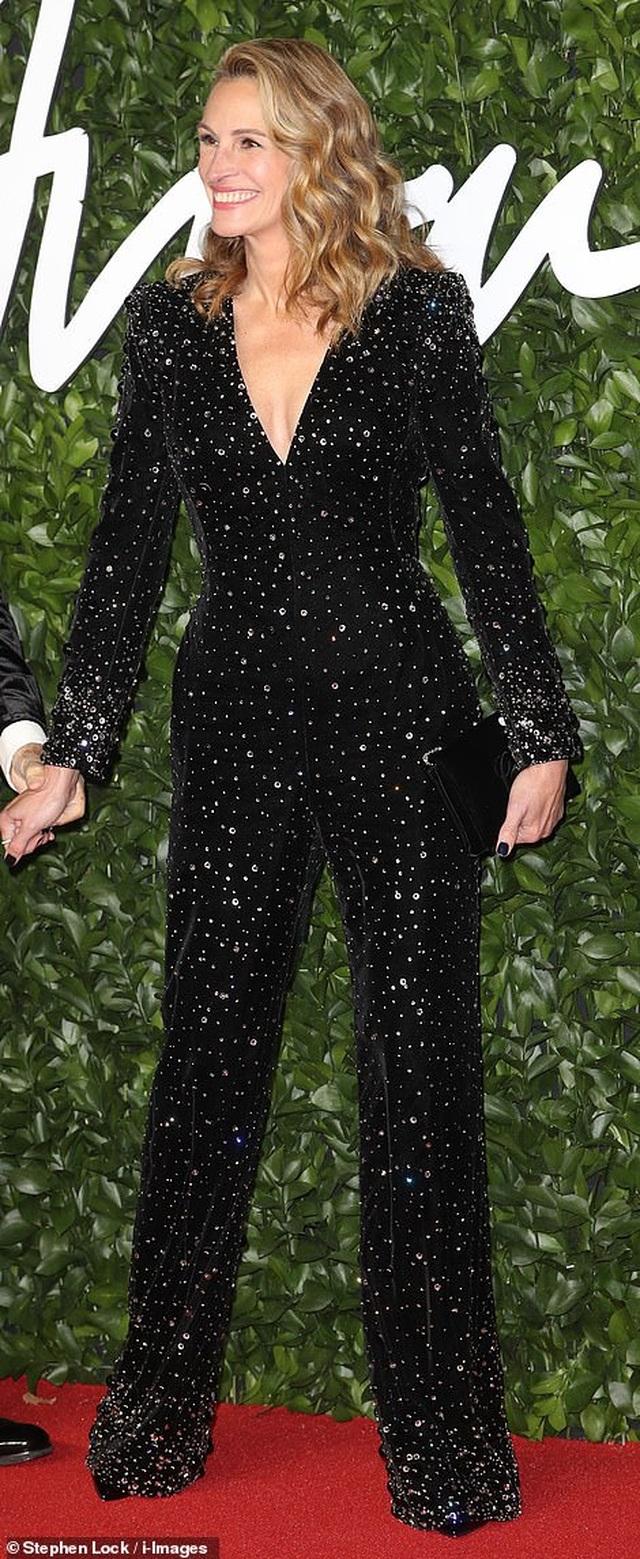 Cate Blanchett đọ sắc với Julia Roberts - 9