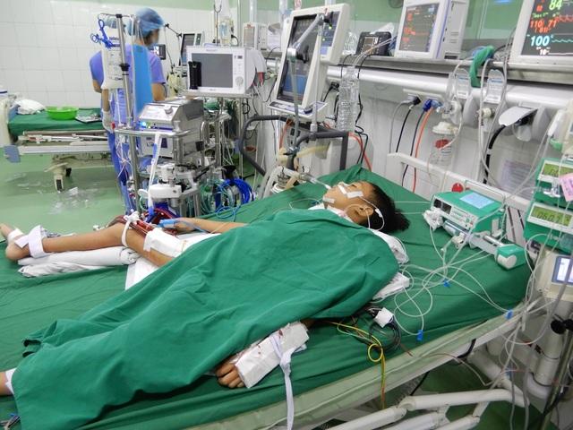 Bác sĩ kêu gọi mạnh thường quân chung tay cứu cậu bé 8 tuổi tính mạng đang nguy kịch - 1