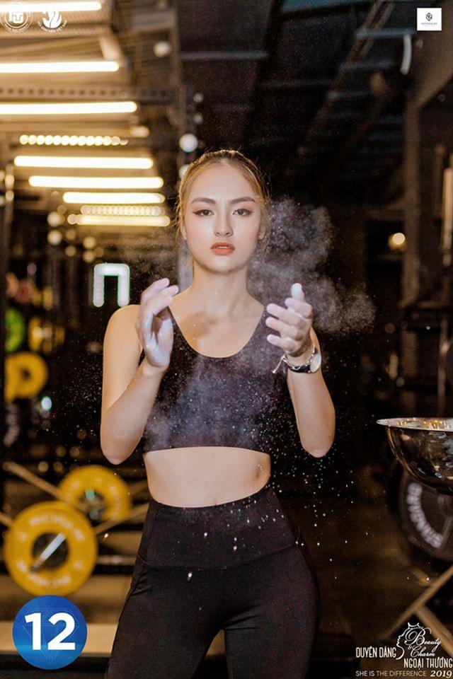 Vẻ đẹp hình thể của top 12 Duyên dáng Ngoại thương 2019 trong trang phục thể thao - 12