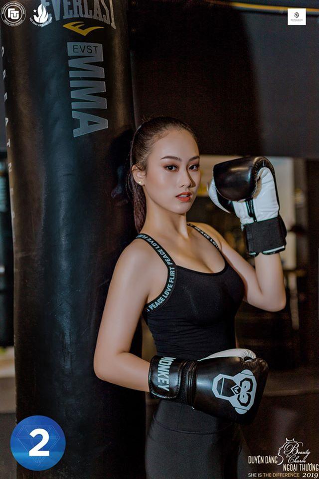 Vẻ đẹp hình thể của top 12 Duyên dáng Ngoại thương 2019 trong trang phục thể thao - 2