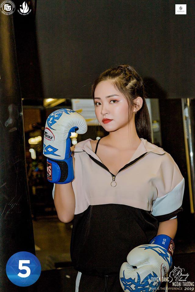 Vẻ đẹp hình thể của top 12 Duyên dáng Ngoại thương 2019 trong trang phục thể thao - 5