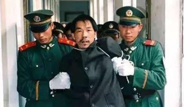 Kẻ giết người hàng loạt bị bắt sau 20 năm lẩn trốn - 2
