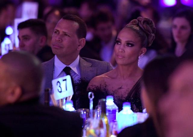 Jennifer Lopez đẹp kiêu sa và lộng lẫy - 2
