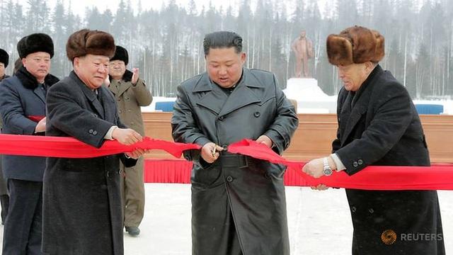 """Ông Kim Jong-un khai trương """"thành phố của nền văn minh hiện đại"""" cạnh núi thiêng - 2"""