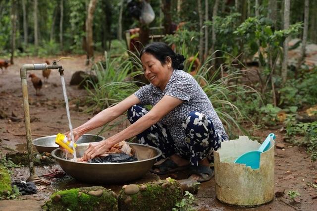 Nước sạch về mang niềm vui đến miền Trung yêu thương - 2