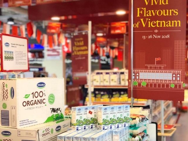 """Sữa tươi organic của Vinamilk dành được cảm tình của người dân """"đảo quốc sư tử"""" - 4"""