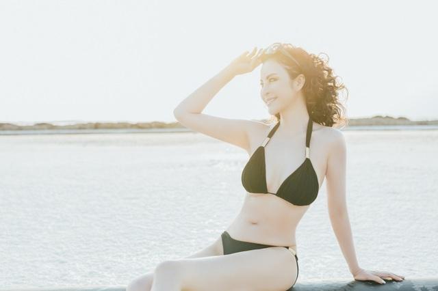 """""""Người đẹp không tuổi"""" Thanh Mai diện bikini khoe dáng ở biển Chết - 1"""