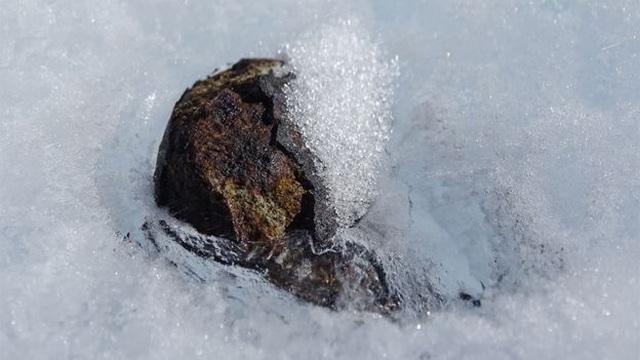 Tìm kiếm thiên thạch ở Nam Cực - 1