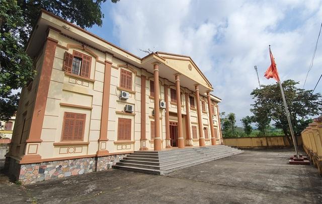 Hồ sơ đẹp không tì vết của Chánh Văn phòng tòa huyện trốn truy nã 26 năm - 1