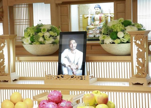 Xót xa chứng kiến bạn gái Cao Dĩ Tường nức nở trong tang lễ người yêu - 7