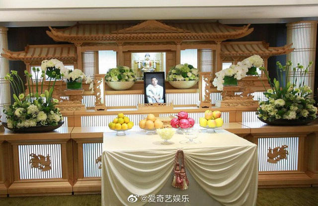Xót xa chứng kiến bạn gái Cao Dĩ Tường nức nở trong tang lễ người yêu - 8