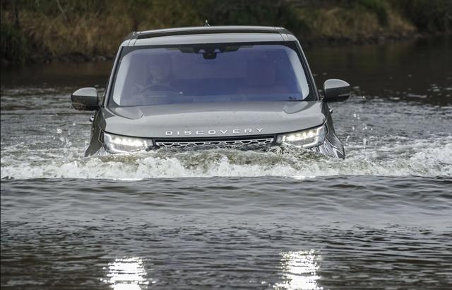 Xe nào có khả năng lội nước đỉnh nhất? - 2