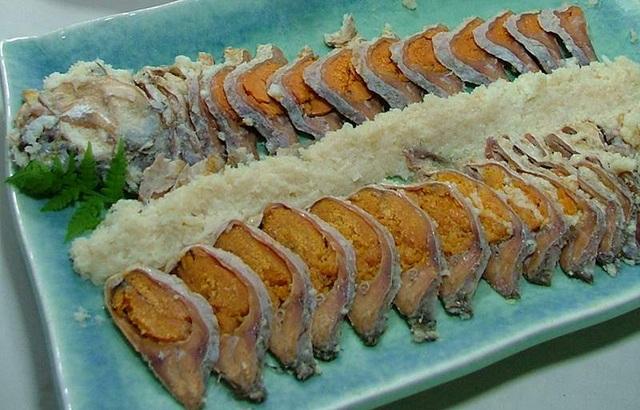 Món cá bốc mùi khó ngửi lại là đặc sản hiếm ở Nhật  - 1