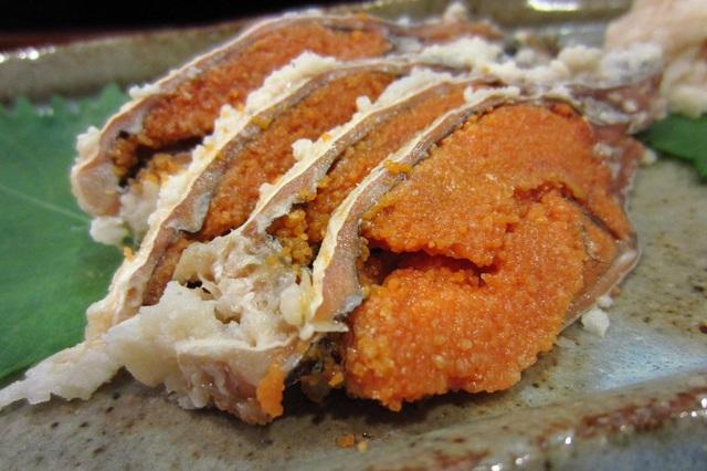 Món cá bốc mùi khó ngửi lại là đặc sản hiếm ở Nhật  - 2