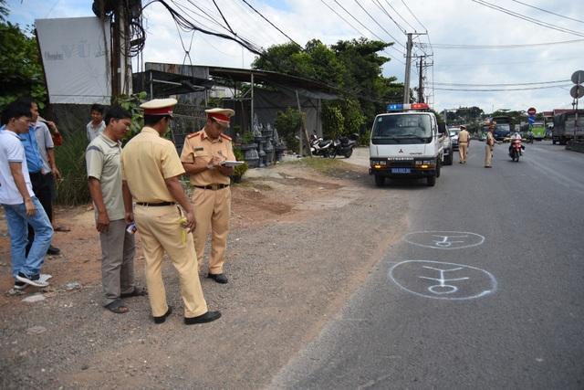 Xử phạt hành chính 2 tài xế xe đưa đón làm rơi học sinh xuống đường - 3