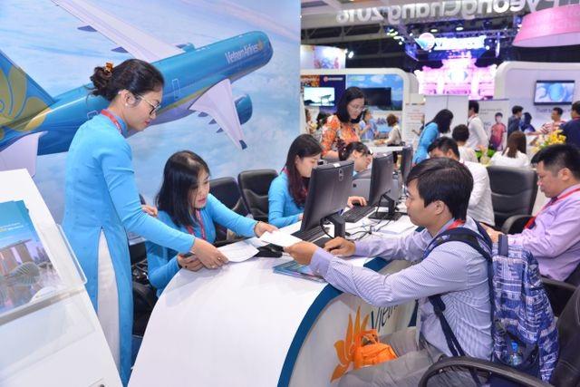 Giá vé máy bay Tết đang tăng rất nhanh, nhiều chuyến đã hết chỗ - 1