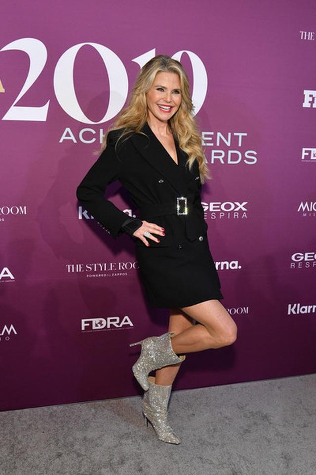 christie-brinkley-2019-fn-achievement-awardsr-6-uy-5-c-r-8-bz-nl-1575459365429.jpg