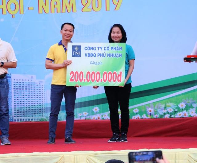 PNJ đi bộ đồng hành vì người nghèo 2019 - 1