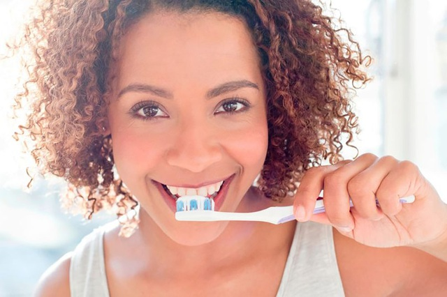 Đánh răng thường xuyên có thể làm giảm… 12% nguy cơ suy tim - 1