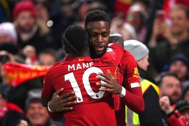 Liverpool 5-2 Everton: Mưa bàn thắng ở Anfield - 1