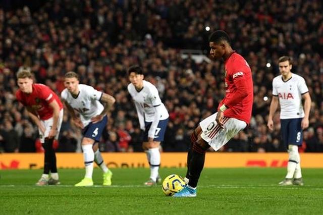 Man Utd 2-1 Tottenham: Cú đúp của Rashford - 8