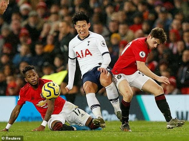 Man Utd 2-1 Tottenham: Cú đúp của Rashford - 3