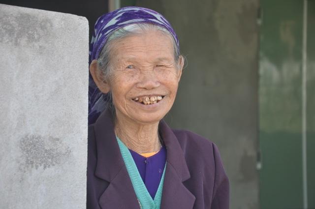 Cụ bà 85 tuổi, mùa đông năm nay không sợ rét nữa rồi! - 8